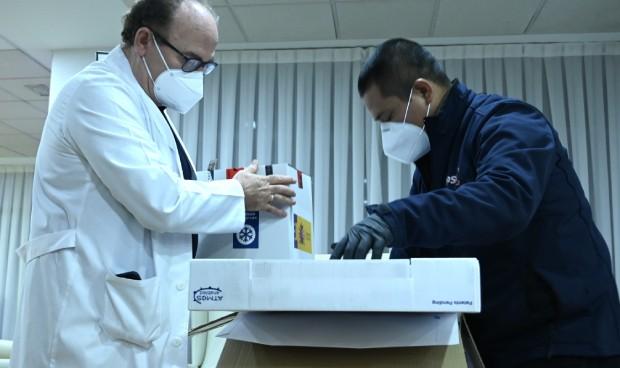 Pfizer retrasa hasta el martes la entrega de su vacuna contra el Covid-19