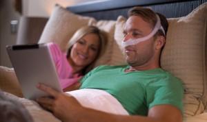 Philips lanza una nueva mascarilla nasal de mínimo contacto