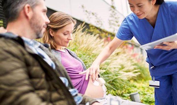 Philips lanza un sistema de monitorización fetal en forma de parche