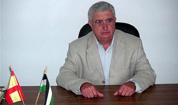 Piden cárcel a un alcalde por persecución pública al médico y la enfermera