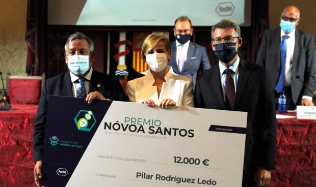 Pilar Rodríguez Ledo recibe el Premio Nóvoa Santos de Asomega