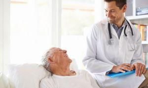 """Piropo de 2 MIR americanas al SNS: """"Vuestros pacientes parecen más felices"""""""