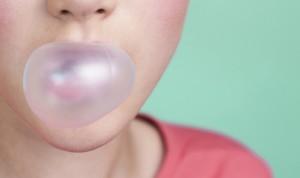 Premio IG Nobel Medicina 2020 por estudiar lo que molesta oír mascar chicle