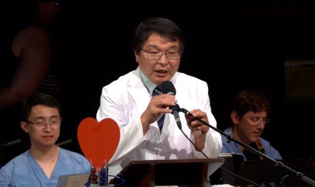 Premio Ig Nobel para un médico por hacerse una colonoscopia a sí mismo