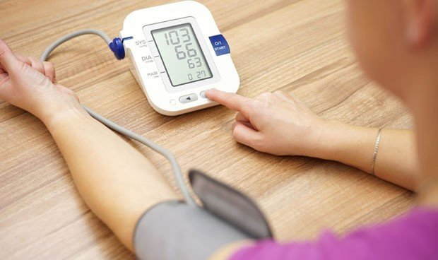 La presión arterial distinta entre los brazos indica mayor riesgo de muerte