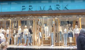 Primark retira unas chanclas por contener una sustancia cancerígena