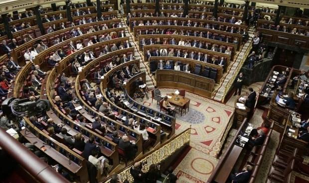 Primer pacto político en sanidad tras el acuerdo 'in extremis' Gobierno-PP