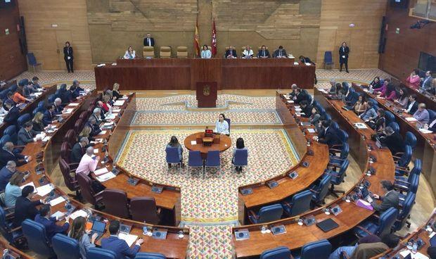 Primera ley para que interinos de sanidad accedan en exclusiva a plaza fija