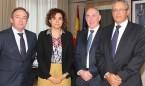 Primera reunión ministra-médicos: habrá línea directa con Hacienda y Empleo
