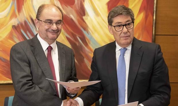 PSOE y PAR sellan su acuerdo para gobernar Aragón con 5 pactos sanitarios