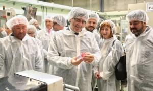 Puigdemont elogia al sector farmacéutico catalán en plena lucha por la EMA