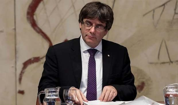 Puigdemont suma un único perfil sanitario a las listas de JxCAT