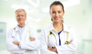 Que te atienda un profesional sanitario joven: ¿acierto o riesgo?
