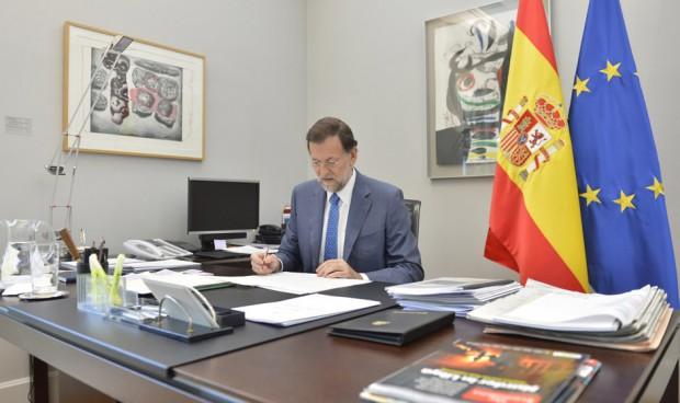 Rajoy gastó un 3,8% más en sueldos del SNS en su último año en Moncloa