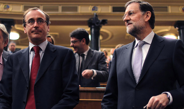 Rajoy se deshace en agradecimientos 'electosanitarios' a Alonso