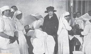 Reinas, sacerdotes o misioneros: así eran los grandes referentes enfermeros