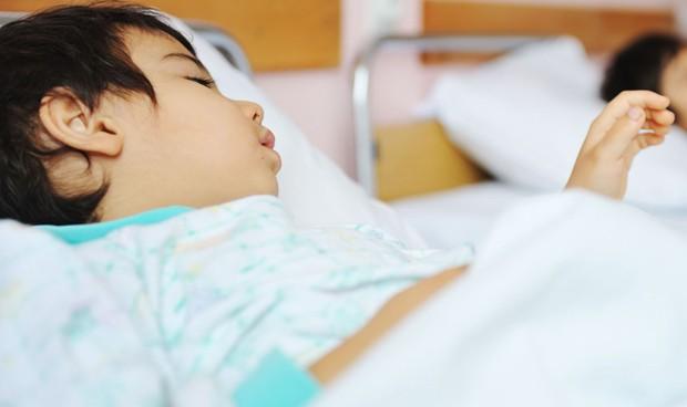 Relacionan la muerte de 10 niños con homeopatía para la dentición