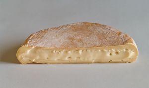 Retiran lotes de queso reblochon tras confirmar intoxicaciones por E.coli