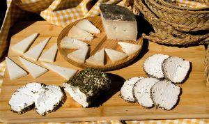 Retiran unos quesos crudos de oveja por un caso de meningitis en Madrid