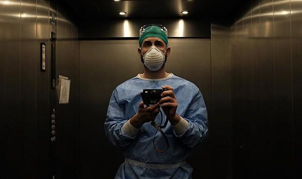 """Retratos del coronavirus: """"Los sanitarios estamos rodeados de oscuridad"""""""