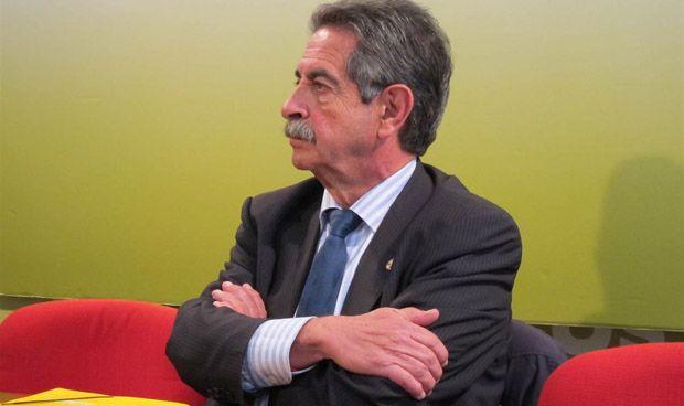 """Revilla llama """"moroso"""" a Rajoy por no pagar su parte de Valdecilla"""
