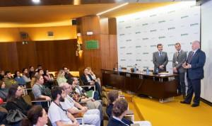 Ribera Salud convierte en indefinidos a 71 empleados del Hospital Povisa