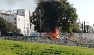 Roban y queman el coche de una enfermera de Sevilla durante su guardia
