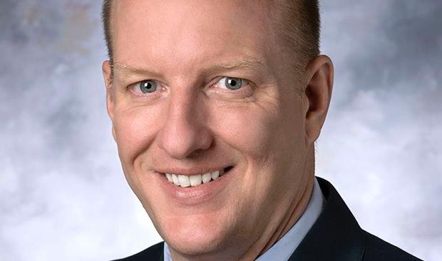 Robert Davis sucede a Kenneth Fraizer como CEO de Merck (MSD)