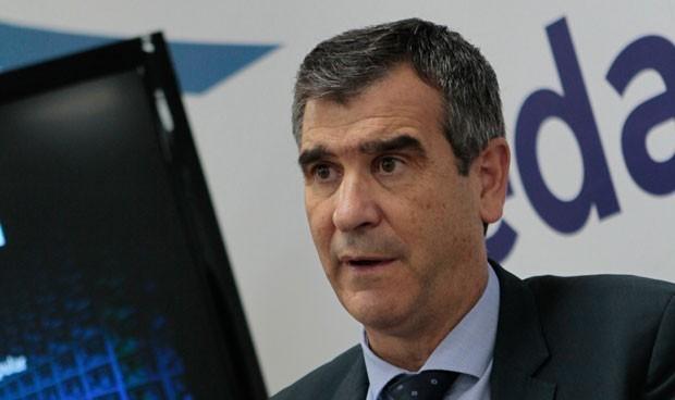 Román vuelve a la política tras mes y medio 'KO' por el Covid