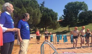 Ruiz Escudero apoya la iniciativa 'Mójate por la Esclerosis Múltiple'