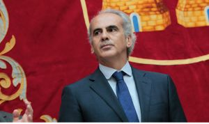 Ruiz Escudero sigue como consejero de Sanidad en Madrid con Garrido