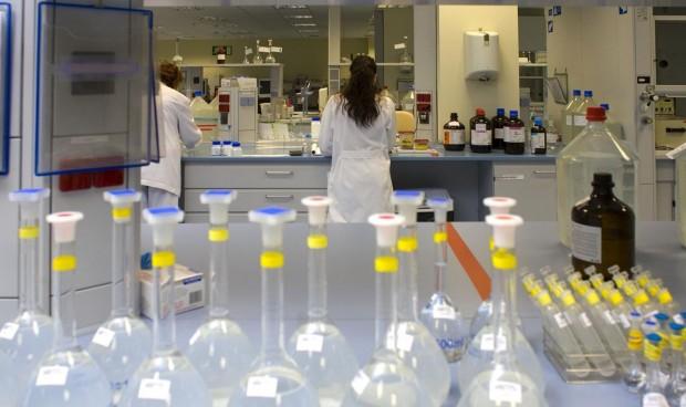Salud firma un convenio con el ICO para luchar contra el cáncer hereditario