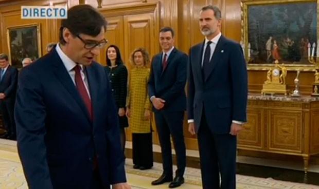 Salvador Illa promete su cargo como ministro de Sanidad ante el rey