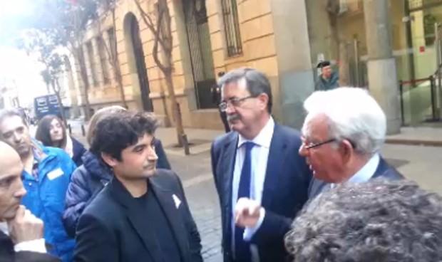 Sánchez Martos consigue desconvocar la huelga de informáticos del Sermas