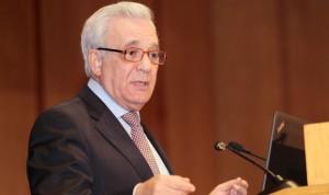 Sánchez Martos explica la causa del cese del jefe de Oftalmología de la Paz