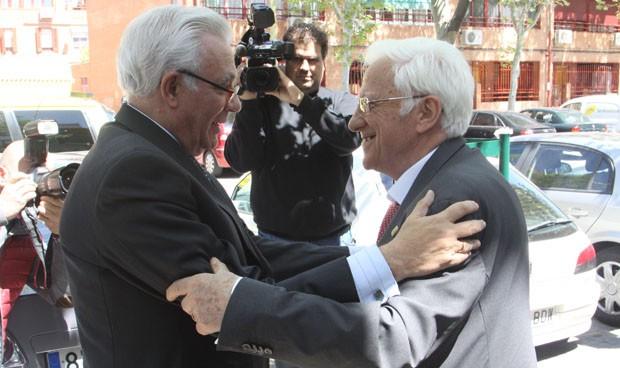 Sánchez Martos y el Padre Ángel se reúnen en un almuerzo solidario
