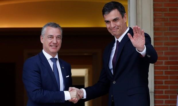 Sánchez negocia que País Vasco también homologue a enfermeras extranjeras