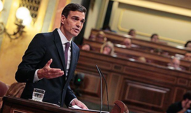 Sánchez pide a sus diputados que retrasen las vacaciones