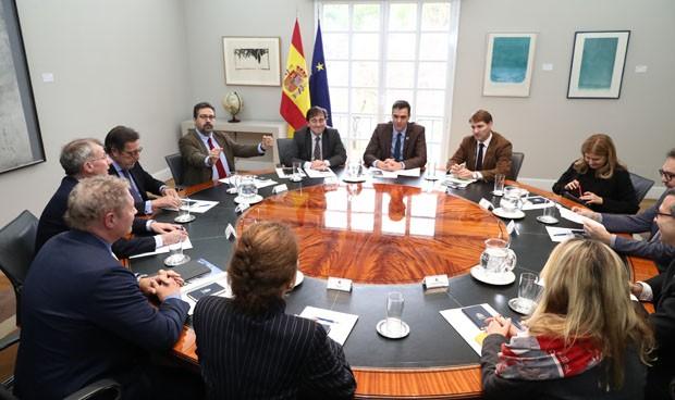 """Sánchez resalta el """"compromiso"""" de su gobierno con la salud infantil"""