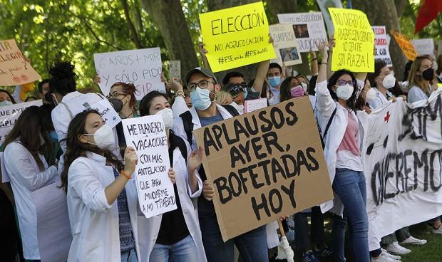 Sanidad aplaza la reunión con los MIR a una hora antes de la manifestación