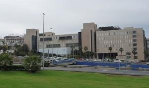 Sanidad destinará 7,9 millones al laboratorio del Hospital Dr. Negrín