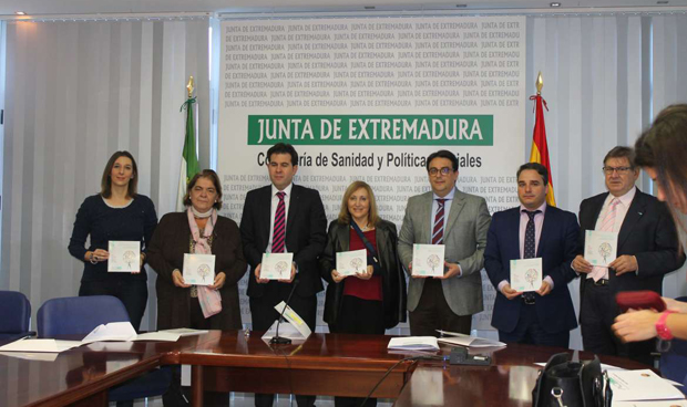 Sanidad distribuir� mil gu�as para los pacientes de c�ncer en Extremadura