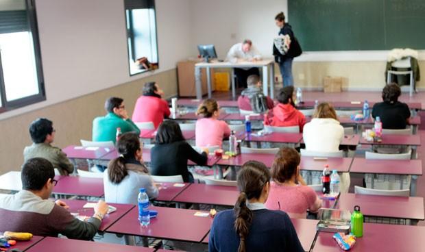 Candidatos durante el examen PIR