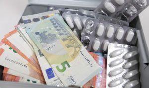 Sanidad llama al orden a 5 laboratorios para liquidar impuestos