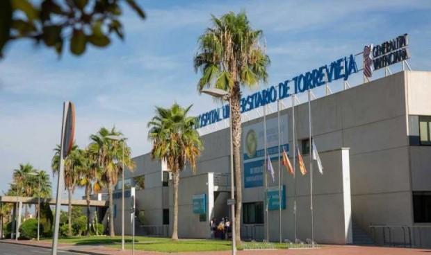 Sanidad pide a Ribera Salud que anule el convenio colectivo de Torrevieja