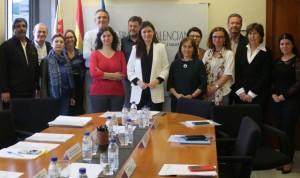 Consejería y 87 asociaciones velarán por el derecho a la sanidad universal