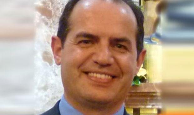 Santiago Santa Cruz, nuevo presidente del Colegio Médico de Salamanca