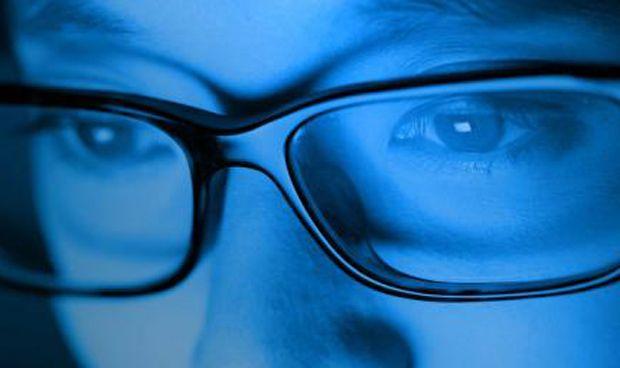 Se cae el mito de la luz azul: reduce las enfermedades cardiovasculares