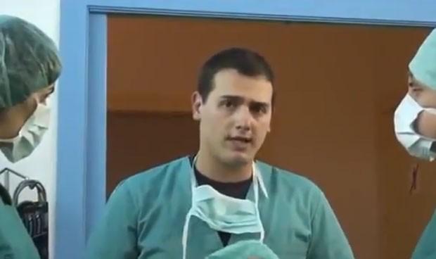 Se viraliza el vídeo de un joven Albert Rivera 'operando' a España