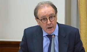 """Sellés: """"España tiene que recuperar la producción de principios activos"""""""